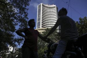 Indian shares hit near four-month highs, Reliance rises on Intel investment