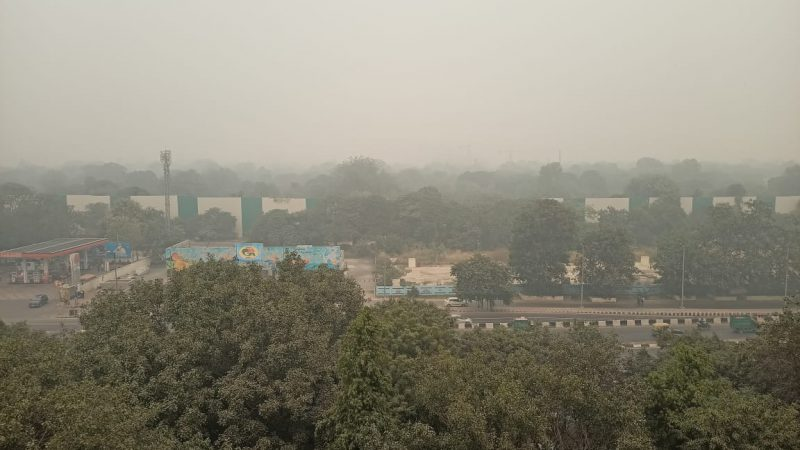 Condition of air pollution in Delhi very bad, dense smog shadow in many areas of the capital